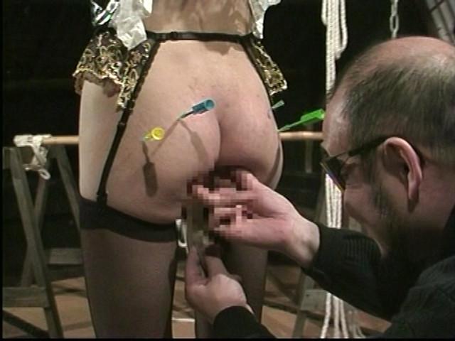メイドM奴隷 鞭打ちアナル調教 画像 15