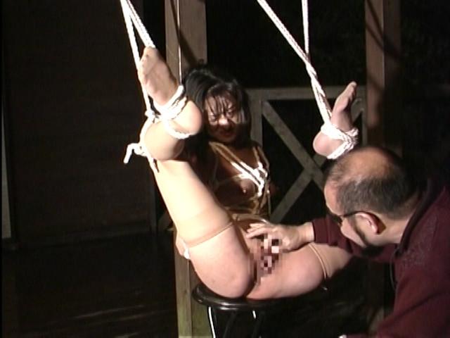 人妻奴隷 阿鼻叫喚・鉄塔逆さ吊りの刑 画像 13
