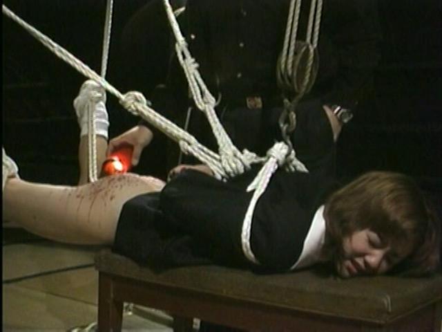 緊縛奴隷女子校生 異常教師の性体罰 画像 7