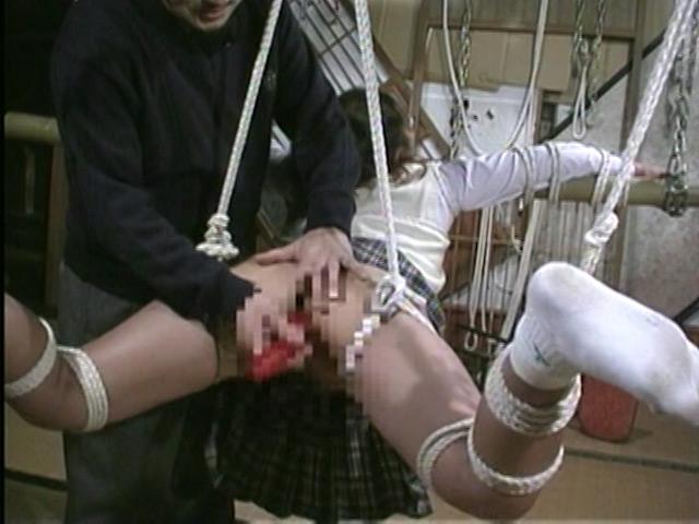 緊縛奴隷女子校生 異常教師の性体罰 画像 13
