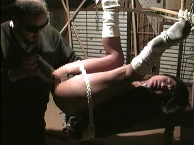 緊縛奴隷女子校生 鬼畜教師の調教卒業式 画像 4
