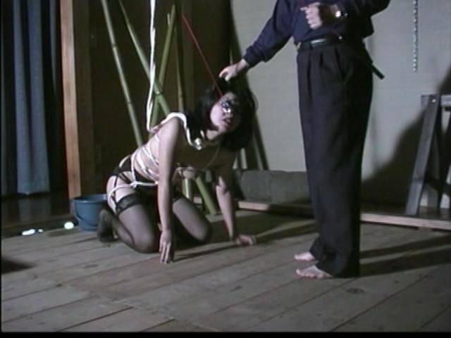 ワキ毛変態妻 悶絶!鞭・針・水責め火炎地獄のサンプル画像
