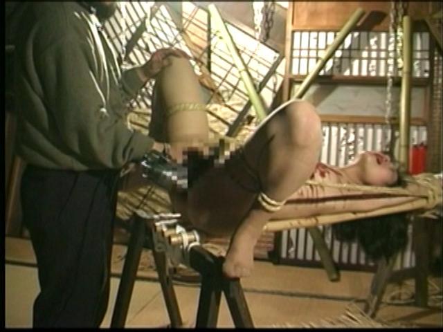 人妻密室監禁 宙吊り鞭責め・失神電流地獄 画像 7