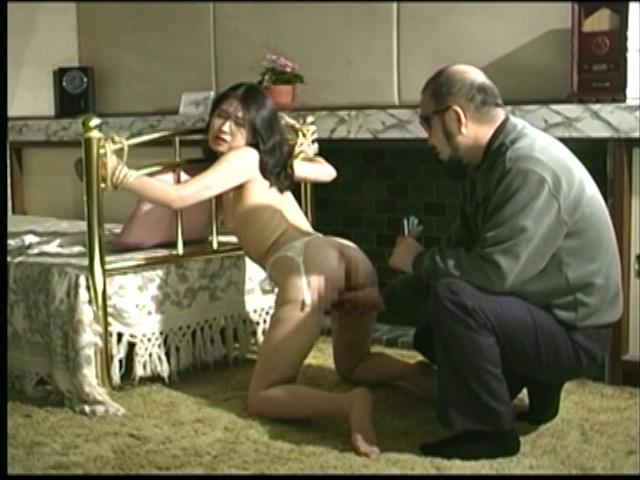 人妻密室監禁 宙吊り鞭責め・失神電流地獄 画像 9