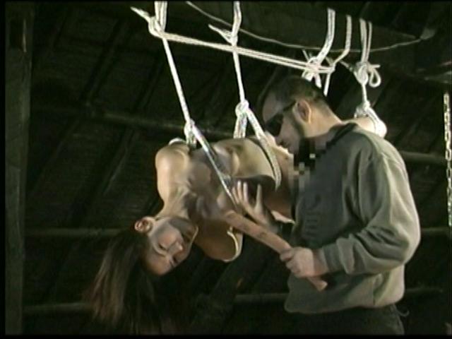 人妻密室監禁 宙吊り鞭責め・失神電流地獄 画像 15