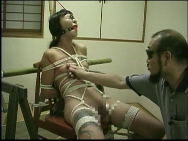 刺青奴隷妻 女体蝋染め鞭打ち針貫通 画像 6