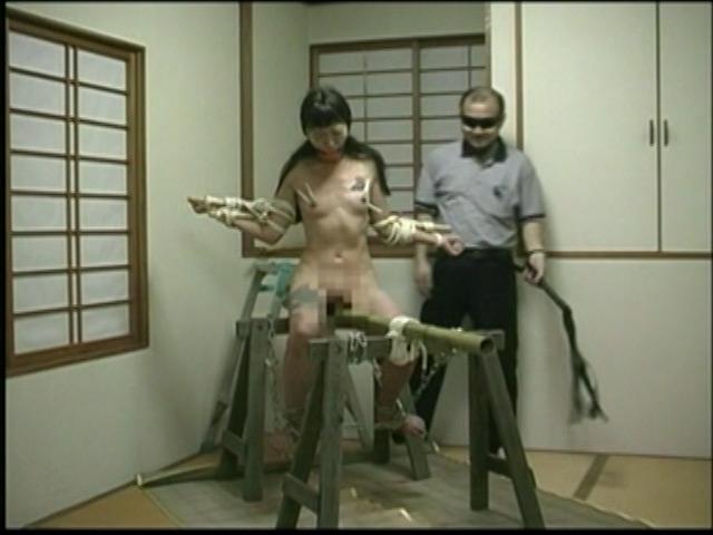 刺青奴隷妻 女体蝋染め鞭打ち針貫通 画像 8