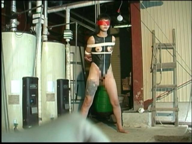刺青奴隷妻 女体蝋染め鞭打ち針貫通 画像 11