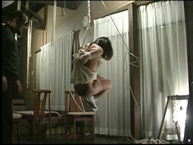 刺青奴隷妻 女体蝋染め鞭打ち針貫通 画像 16