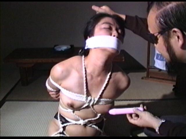 完全会員制M専科人妻被虐四時間のサンプル画像