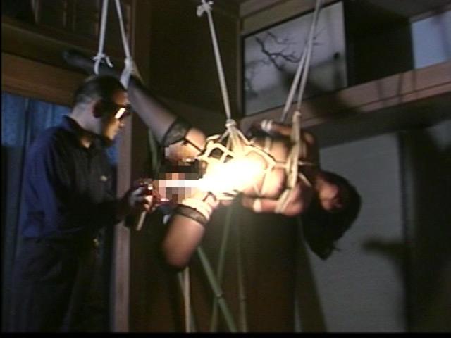 緊縛拘束監禁四時間 鞭縄地獄のサンプル画像8
