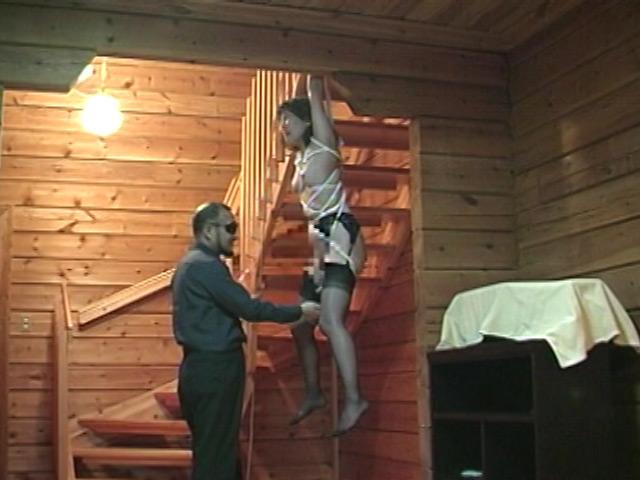緊縛拘束監禁四時間 鞭縄地獄のサンプル画像15
