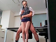 ピチピチの太腿が中年おやじのザーメン搾り取る腿こき