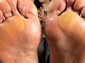 [ashikusa-0017] 【足のにおい】 受付嬢・指股の固形汗