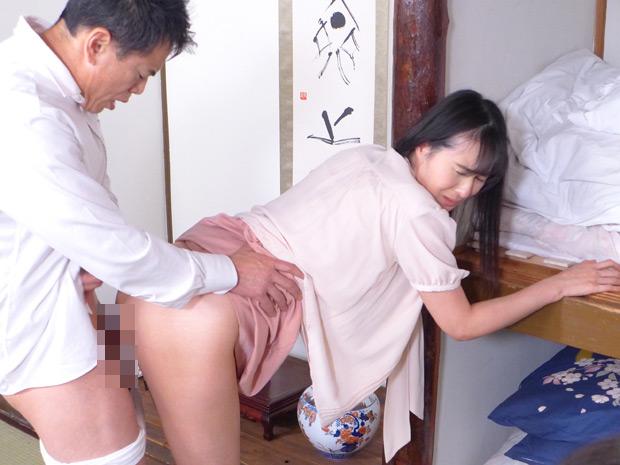 昭和猥褻官能ドラマ酒乱亭主の借金を体で払った六十路妻 画像 8
