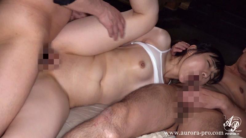 彼氏の前で、性処理人形のように輪●される私 河奈亜依