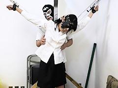 【辱め動画】OLを磔台に束縛して長時間連続でくすぐってみたら爆笑