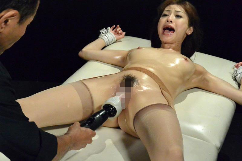 熟肉女体の凄まじい処刑映像 画像 10