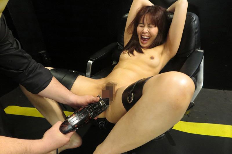 熟肉女体の凄まじい処刑映像 画像 14