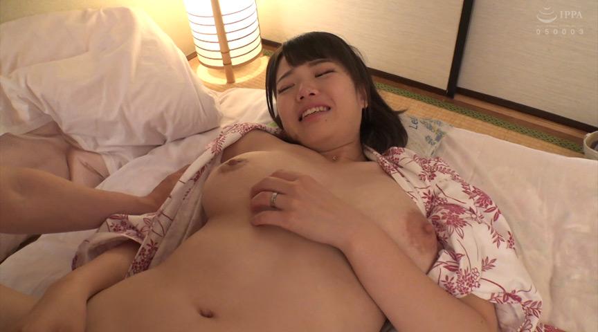 巨乳セフレ妻と中出し不倫旅行 画像 1