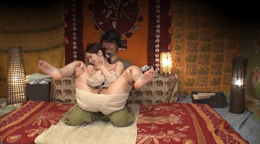 素人人妻をタイ古式マッサージと偽り中出し 江戸川区編 画像 1