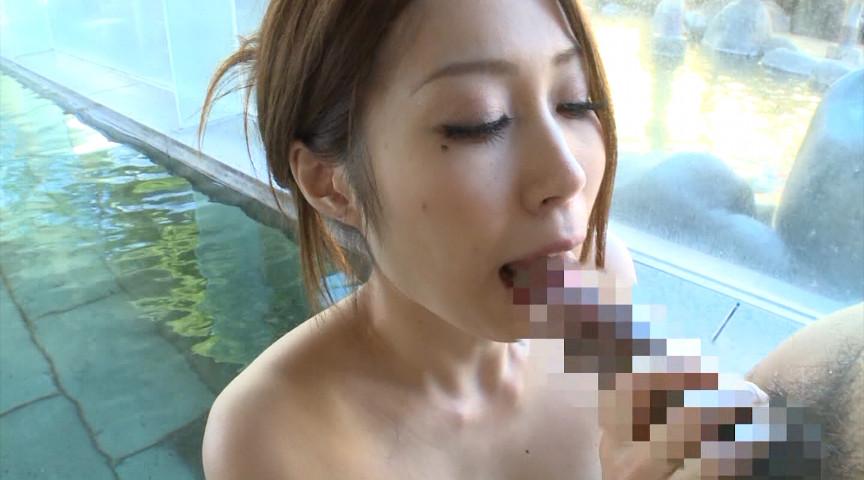 超汗だく温泉セックス!パーフェクトボディ妻と露天風呂でスリルある浮気ハメ。4時間15人 の画像10