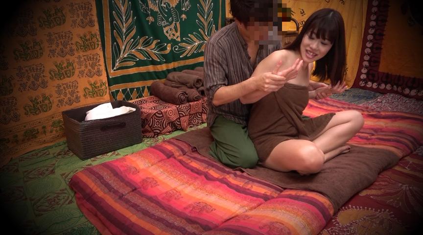 二人でするヨガ。タイ古式マッサージ店盗撮。 素人人妻をタイ古式マッサージの無料体験と偽り騙して癒して中出ししちゃいました 江東区編 の画像7