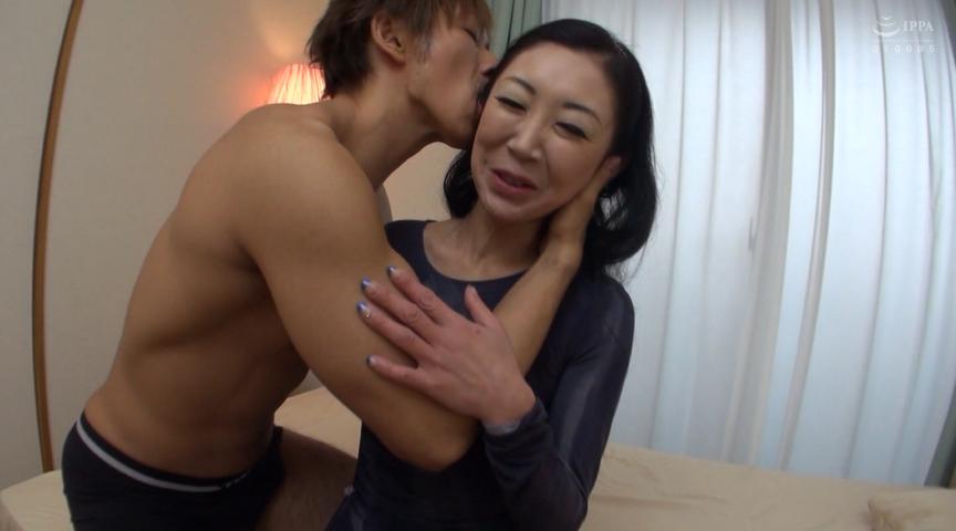 奇跡の還暦熟女 黒田礼子 62歳