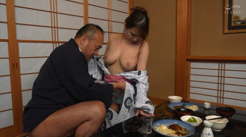 最高の人妻 旦那の前で穢されて… 笹倉杏 画像 2