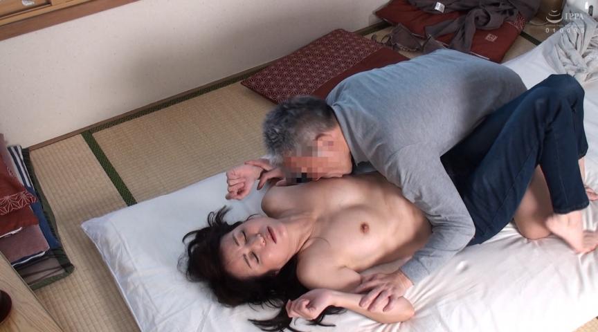 IdolLAB | bigmorkal-2514 山村集落のおばさんを喰いまくる絶倫自治会長の映像