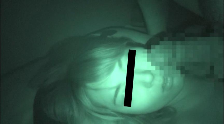 せがれの嫁を寝盗る義父の夜這い映像 9枚目