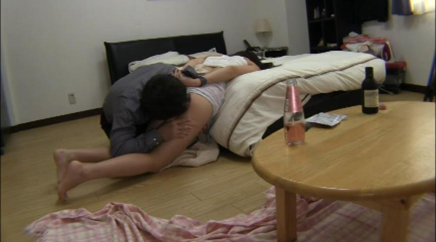 女性専用シェアハウスオーナーによるレイプ盗撮映像 11枚目