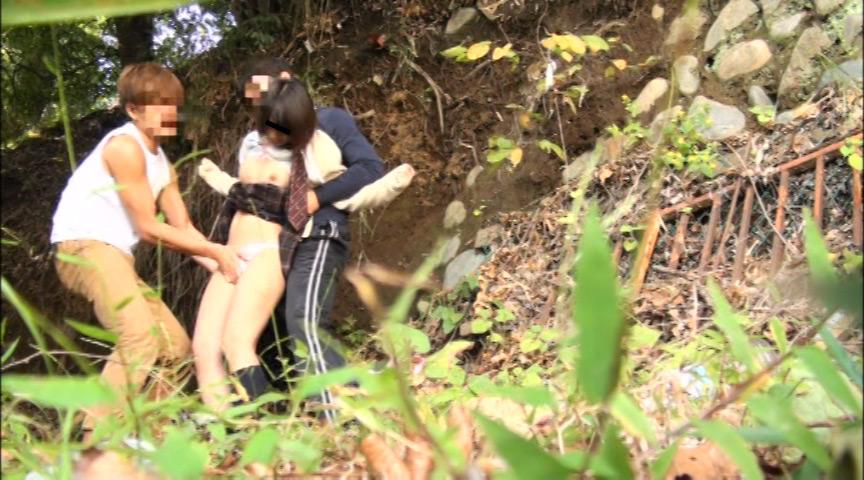 女子校生をさらって強姦を繰り返すレイプ魔の記録映像