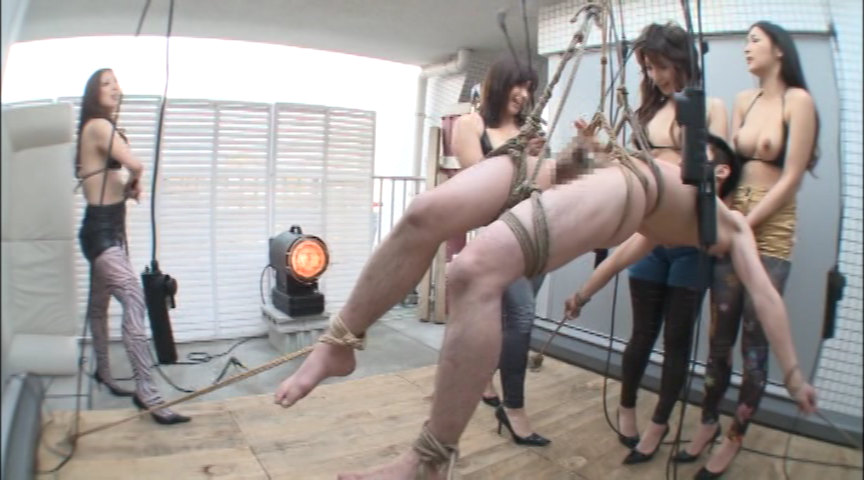 モデル系お姉さん4人組みの人体射精実験