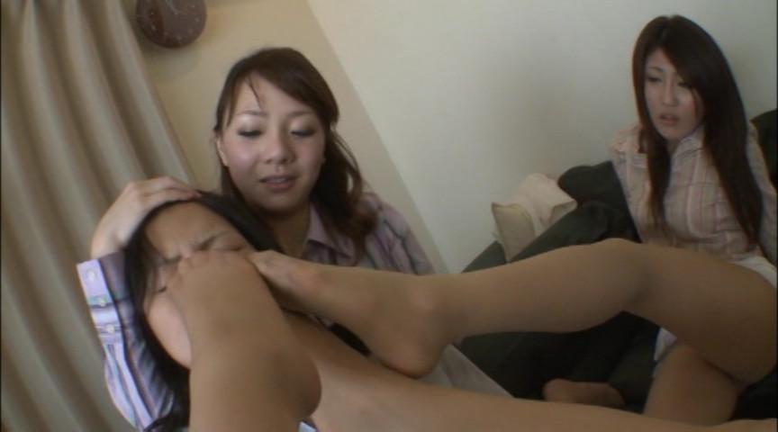新人OL虐め!パンスト足責め女臭指導!! 画像 7