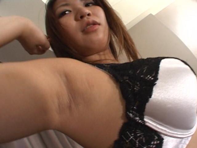 女の酸っぱいワキ臭責め 画像 13