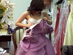ウェディングドレス試着室盗撮1