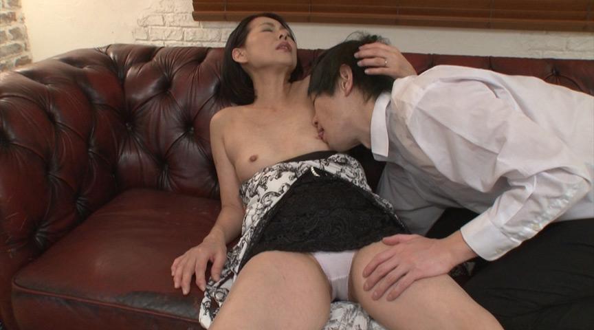 こっそり本番させてくれる熟女ピンサロ嬢 澤田一美 画像 7