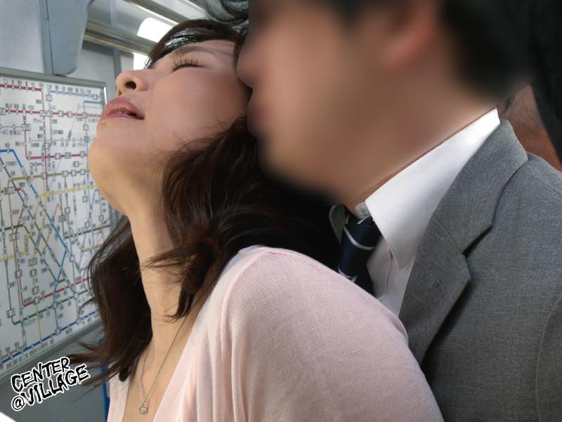 人妻痴漢電車~さわられた五十路母~ 時田こずえ 画像 7
