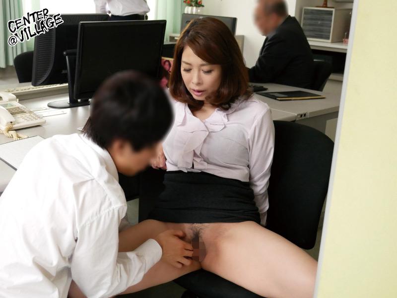 IdolLAB | center-0990 声が出せない絶頂授業で10倍濡れる人妻教師 佐倉由美子