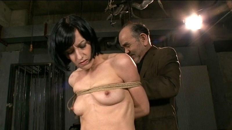 真夜中の羅刹 爆乳素人妻 VS 白人牝奴隷のサンプル画像