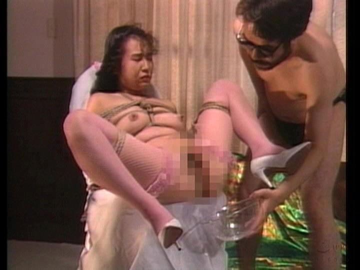 初期エネマ痴帯アンソロジー 暴辱浣腸プレイ肛悦回想録 画像 10