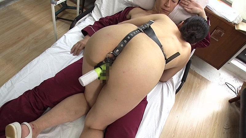 黒長乳首同性母乳搾り 尻穴でマゾイキするアナル奉仕妻 画像 15