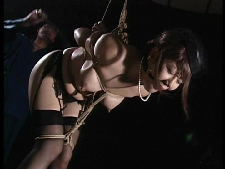咽び泣く妖艶熟女たちの鞭打ち調教ベスト3