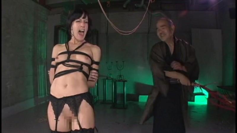 咽び泣く妖艶熟女たちの鞭打ち調教ベスト4