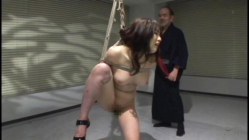 咽び泣く妖艶熟女たちの鞭打ち調教ベスト5 画像 8
