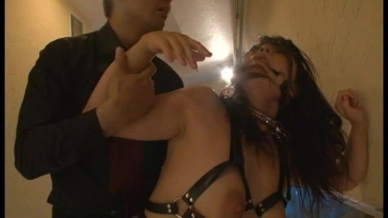 咽び泣く妖艶熟女たちの鞭打ち調教ベスト5 画像 18