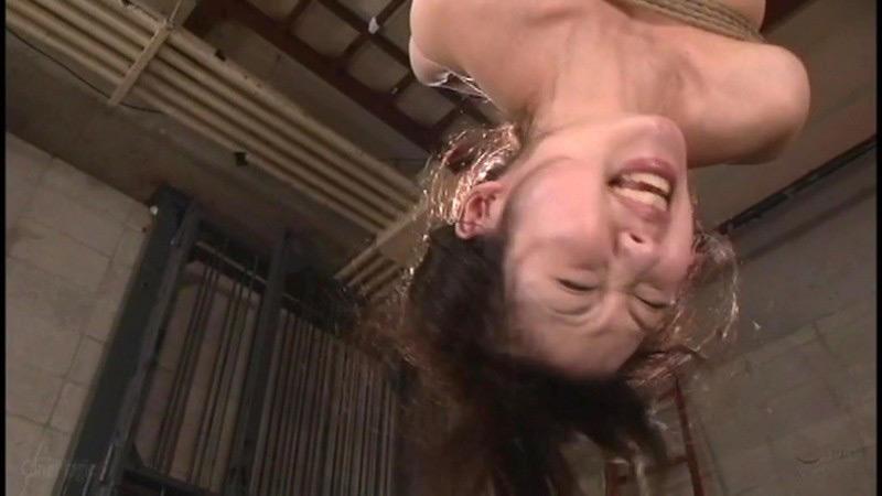 咽び泣く妖艶熟女たちの鞭打ち調教ベスト5 画像 19