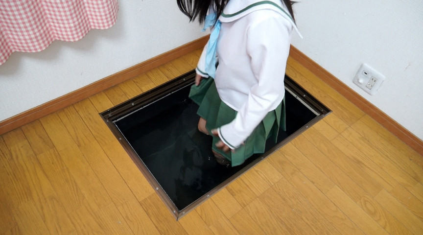 JK床下水中監禁のサンプル画像