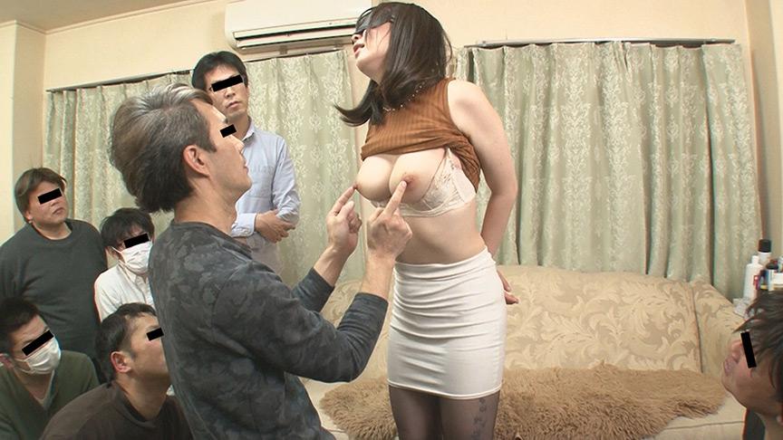 夫に内緒で他人棒SEX 淫乱アヘ顔巨乳妻 ほのかさん 画像 5